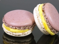 TEST : Macaron Jardin D'Iris par Pierre Hermé